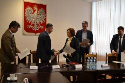 Podpisano list intencyjny dotyczący zamiany działek zlokalizowanych wHucie Szklanej pomiędzy Gminą Bieliny iŚwiętokrzyskim Parkiem Narodowym