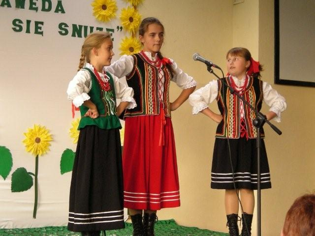 Dziecięcy Zespół Pieśni iTańca ˝Jodełki˝
